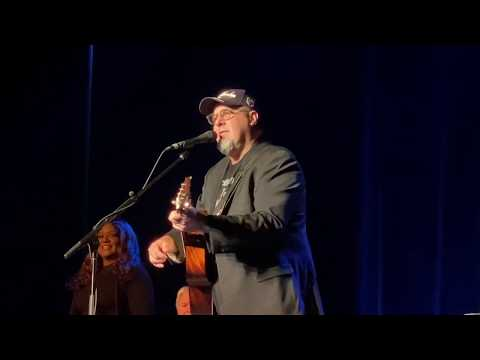 """Vince Gill """"Look At Us"""" Live At The Capitol Center For The Arts"""" Concord, NH, November 3, 2019"""