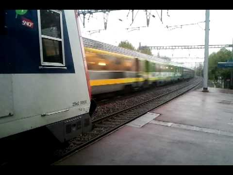 vid o de train en gare d 39 epinay sur orge youtube. Black Bedroom Furniture Sets. Home Design Ideas