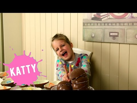 Киндер Сюрприз MAXI - Распаковка Целой Коробки С Игрушками - Шоколадные Яйца  Hello Katty