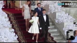 Gambar cover Видеокадры со свадьбы дочери президента Алии Шагиевой