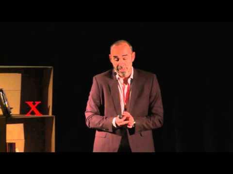 Cómo perder un trabajo | Ovi Barceló | TEDxOviedoUniversity