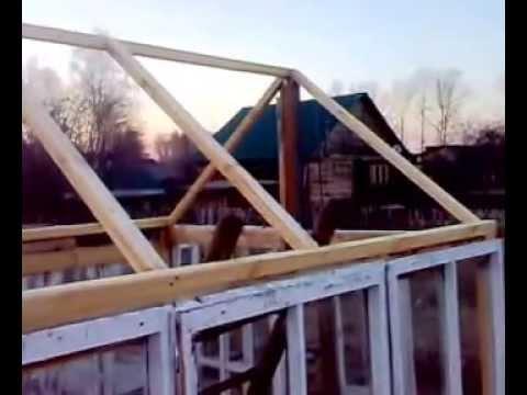 Вопрос: Из какого материала лучше делать крышу в теплице?