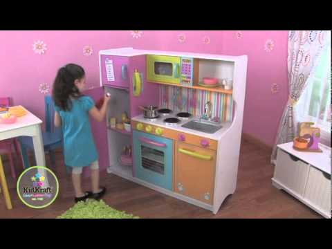 cuisine en bois pour enfant kidkraft youtube. Black Bedroom Furniture Sets. Home Design Ideas