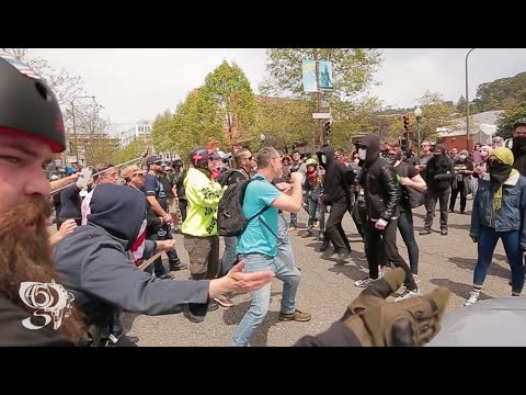 Trump supporters stop Antifa from blocking traffic Berkeley