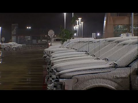 Raw: South Texas, Houston Area Get Rare Snowfall