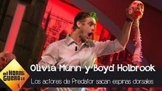 Boyd Holbrook y Olivia Munn participan en un 'sangriento' juego - El Hormiguero 3.0