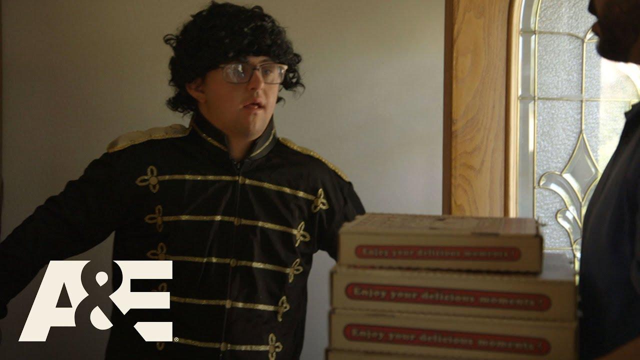 Download Born This Way: Bonus: Pizza Money 🍕 (Season 2, Episode 7)   A&E