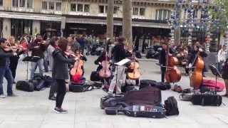 Pachelbel Canon D Major (Street Concert Paris)