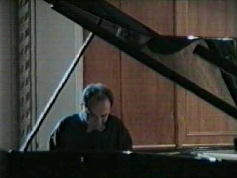 Igor Kamenz plays Liszt, Sonata in b minor (1/4)