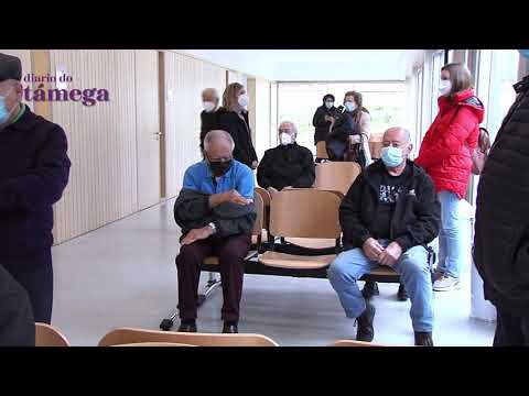VÍDEO | O Sergas comeza a citar aos verinenses de máis de 80 anos para vacinarse