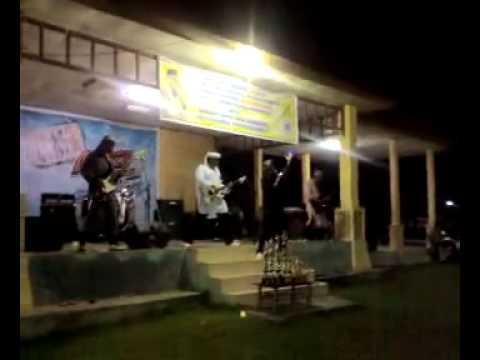 Video dari B2 BAND- AkTrakSi B2 BaND to ReLiGi BanD FeStiVaL.mp4