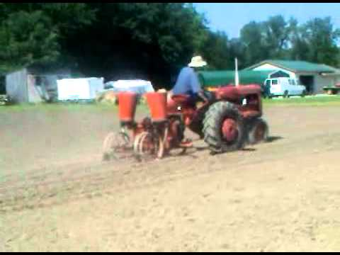 Allis Chalmers 2 Row Corn Planter Youtube