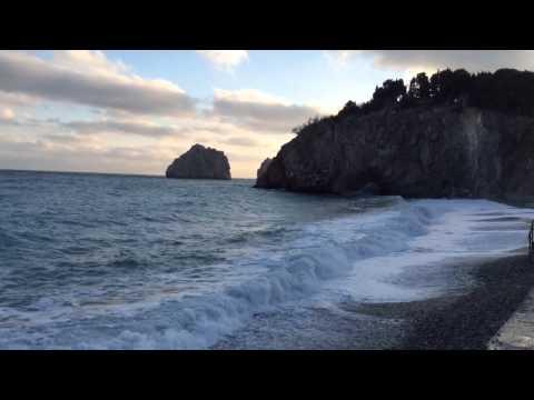 Артек.Красивый Пляж Лазурный.гора Аю-Даг и Грот.Крым.