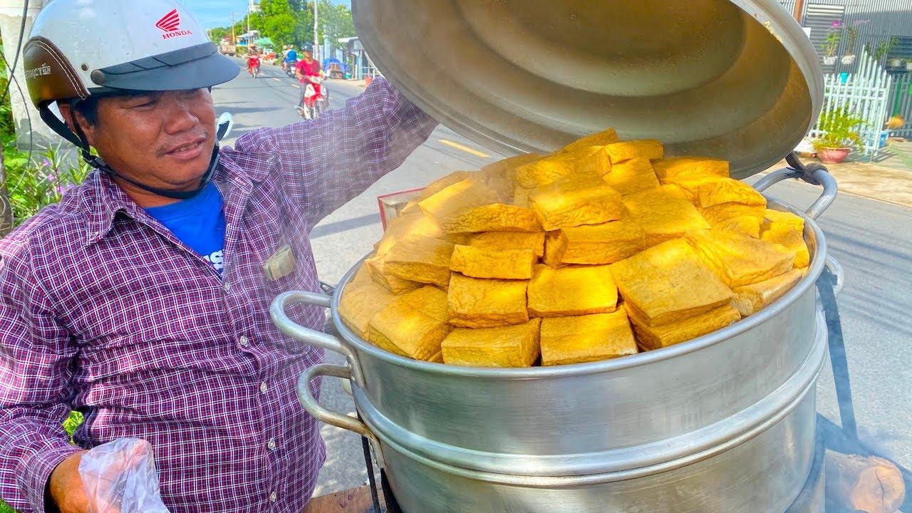 Xe đậu hủ hấp rau răm độc nhất Việt Nam, bán ngày lời 600 ngàn đồng