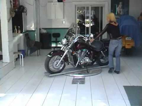 motogo le stationnement facile pour motards doovi. Black Bedroom Furniture Sets. Home Design Ideas