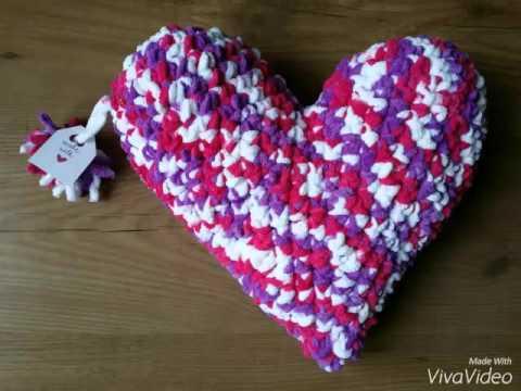 Patrón gratis cojin corazón de trapillo - YouTube