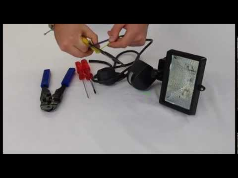 how to wire a floodlight youtube rh youtube com Halogen Light Wiring Diagram Wiring a Plug Light