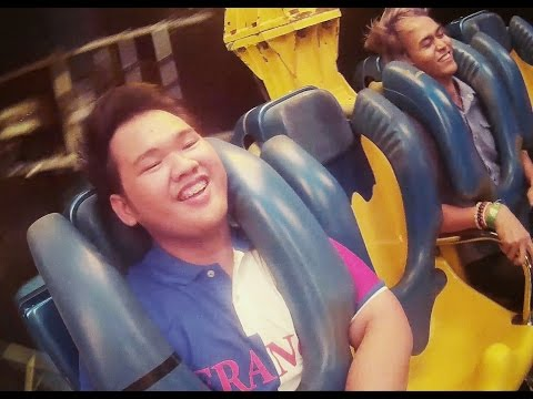 เล่นเครื่องเล่น Extreme ที่งาน Chang Global Carnival