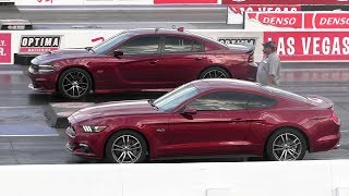 Mustang GT vs Dodge Charger Scat Pack 392 - drag race