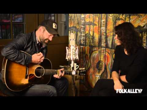 "Folk Alley Sessions: Jeffrey Foucault And Kris Delmhorst - ""Left This Town"""