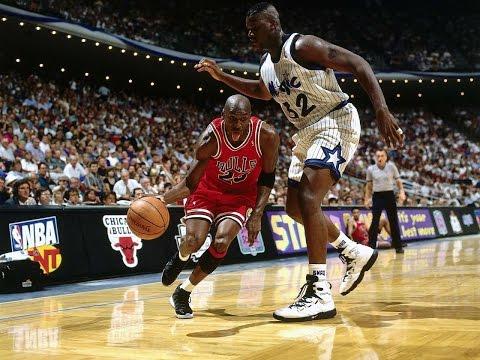 buy popular 97d34 fde1b Michael Jordan wearing Space Jam Air Jordan 11 (XI) on court ...