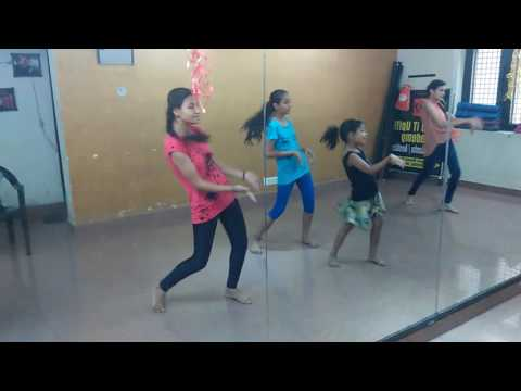 Cham Cham  Dance Video Dance iT Up Academy!!