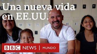 Los primeros pasos de una familia migrante en EE.UU. tras ser liberada por la Patrulla Fronteriza