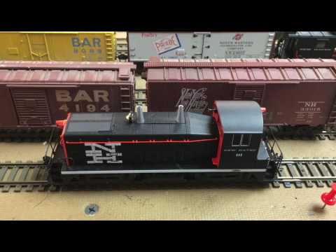"""New Haven Railroad Layout """"Cleaning dust off rolling stock and locomotives"""""""
