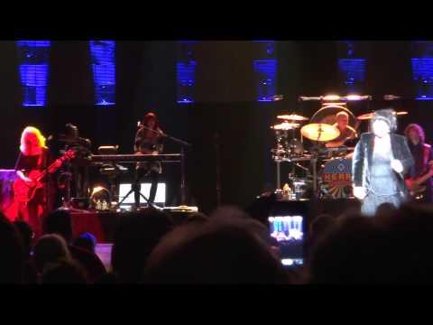 HEART - Misty Mountain Hop (Led Zeppelin cover) - live in Edmonton Mar. 11, 2013