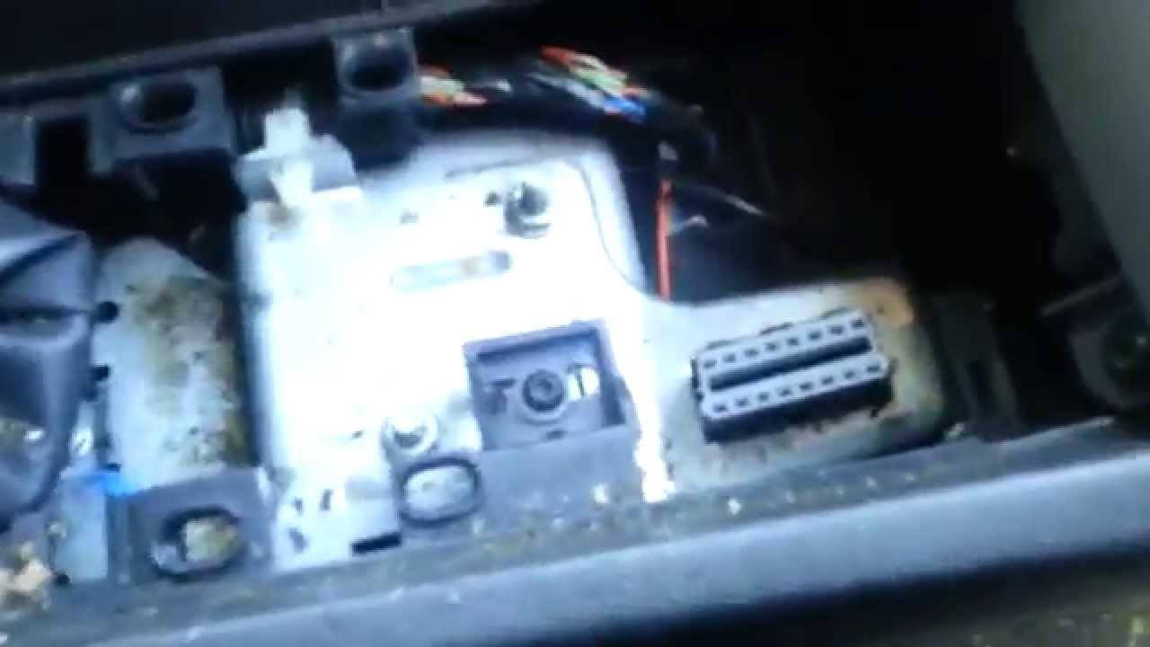 how to find obd diagnostic connector opel / vauxhall astra h - youtube