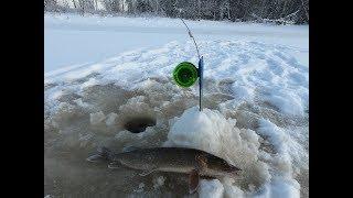 ДОРОГА К ЩУКЕ ОЧЕНЬ ТЯНЕТ НА ПЕРВЫЙ ЛЁД 19 20 Нива в бездорожье на зимней рыбалке