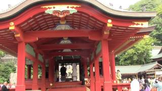 結婚式は神楽殿を使ってますね 鎌倉初代将軍源頼朝ゆかりの神社で 日本...