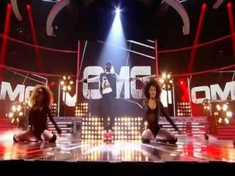 "Live! ""Usher ft. Pitbull - DJ Got Us Fallin' In Love"""