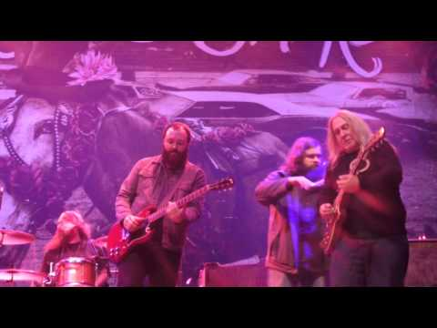 Blackberry Smoke - The Night They Drove Old Dixie Down (The Band cover)