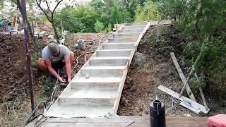 как сделать лестницу на склоне