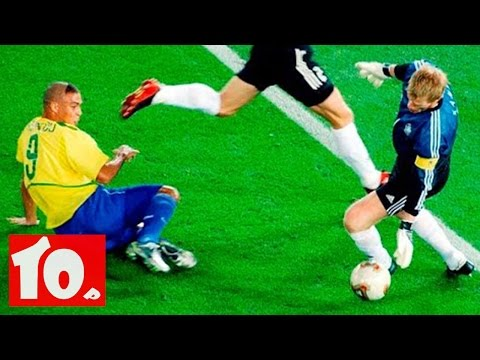 Top 10 Football Goalkeepers of all time