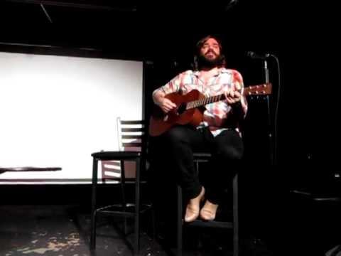 Matt Berry - Snuff Box theme song live acoustic (Toronto 03/08/2011)