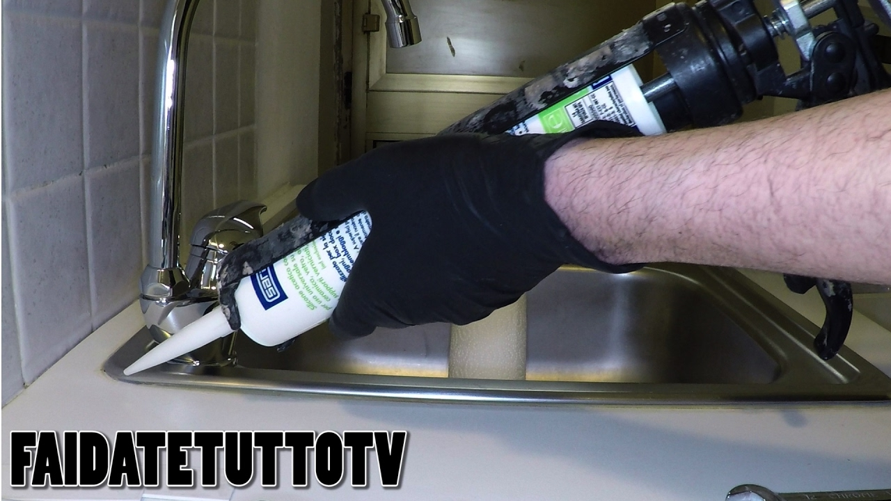 Mastice Per Lavello Cucina.How To Put Silicone Sealant To Sink And Kitchen Diy