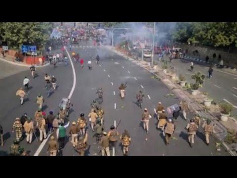 In India esplode protesta degli agricoltori, parata nel caos