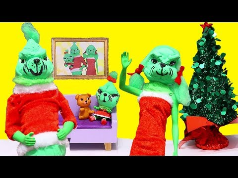 LOL Families  The Santa Family vs The Grinch Family  SWTAD Playing with Toys and Dolls