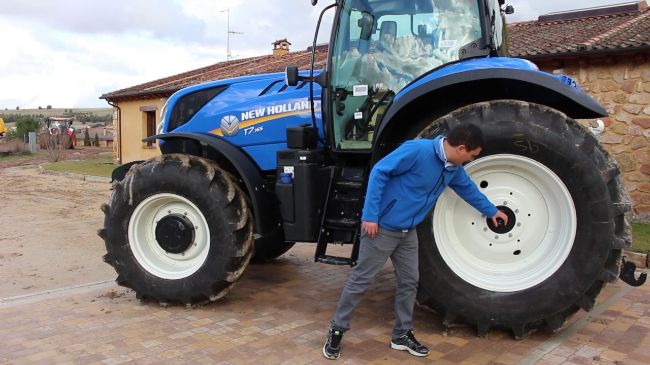 New Holland T7 165 Review