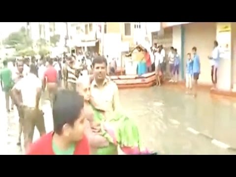 Heavy rains cause massive flooding in Bengaluru