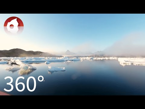 360º sailing among small icebergs in East Greenland