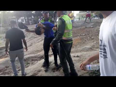 Brutalidad policial contra menores de edad. Mov.Pro.CannBAQ interviene grabando.