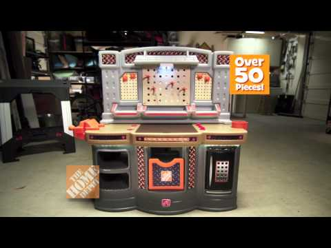 "Toys ""R"" Us Home Depot Big Builder Workshop (2011 Holiday Commercial)"