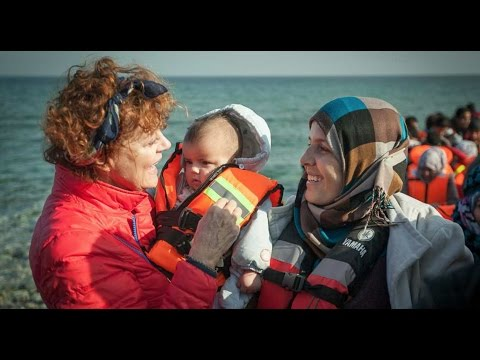 Susan Sarandon With Refugees in Lesbos, Greece | The Crossing