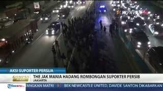 Ratusan Suporter Persija Blokade Ruas Tol Cikunir