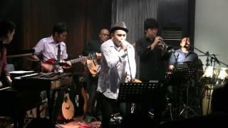 Glenn Fredly ft. Indra Lesmana & Kyriz Boogiemen - Bento @ Mostly Jazz 03/12/11 [HD]