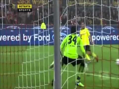 Nuri Sahin (Liverpool FC) vs Lukas Podolski ( Arsenal FC) (FULL FIGHT) 2010 and story