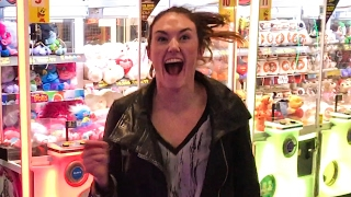 SHE WON THE JACKPOT & LOST HER SH*T!!!